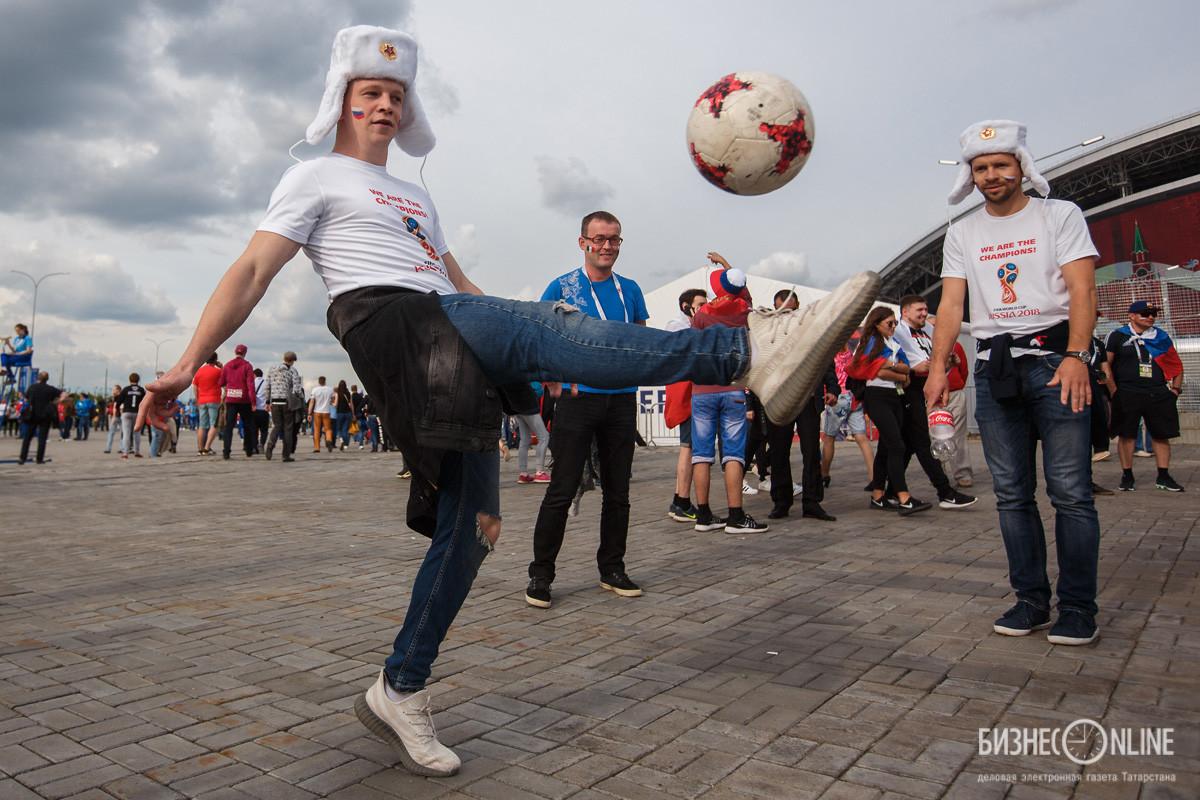 Русская проиграла свои дырки толпе фото 539-246