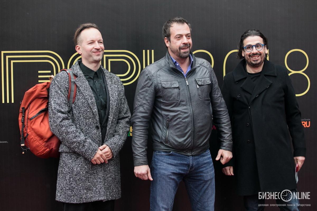 Актер Григорий Кулагин, телеведущий Влад Чижов и продюсер Виктор Гельман (слева направо)
