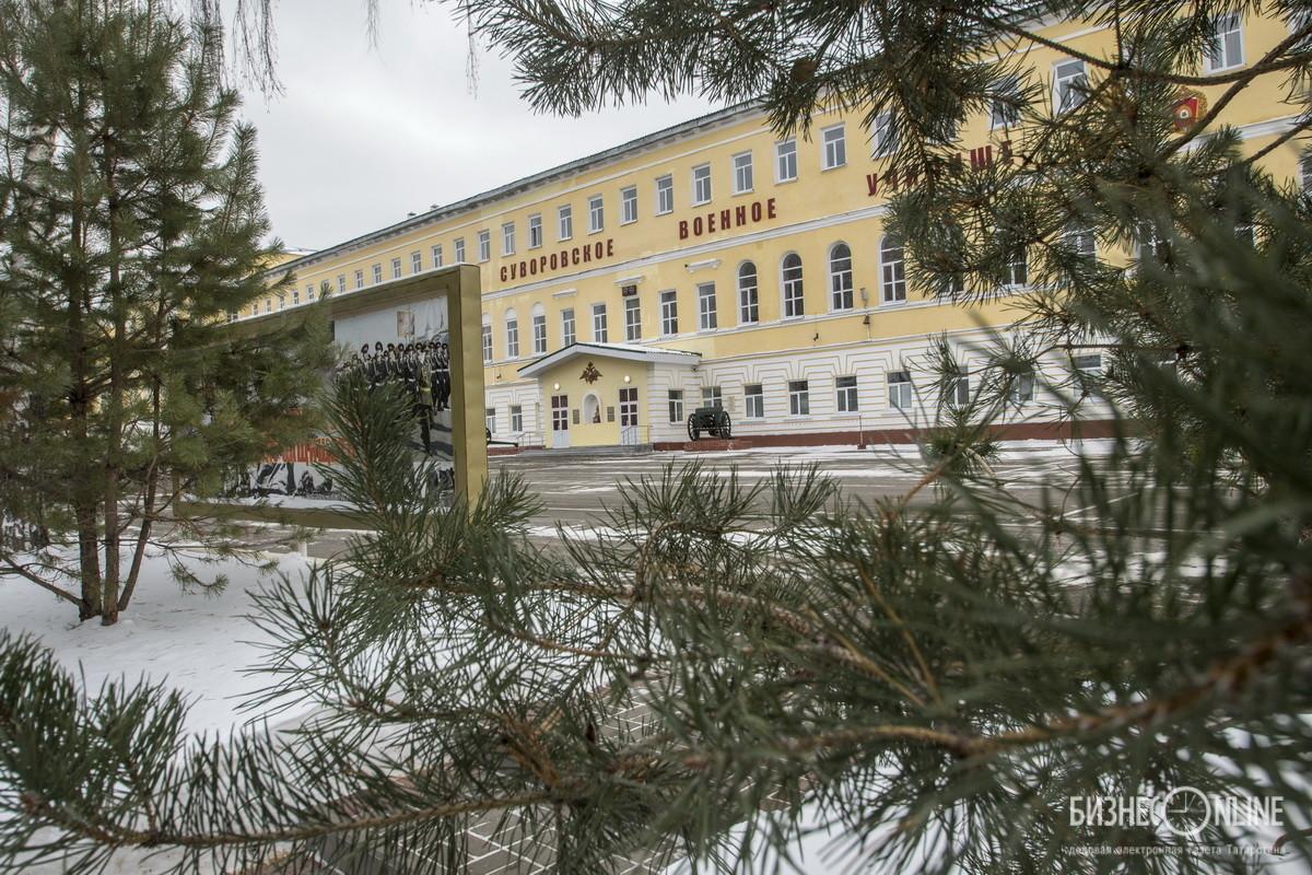 Сегодня суворовцы и учатся, и живут в старинном здании – бывшем Родионовском институте благородных девиц