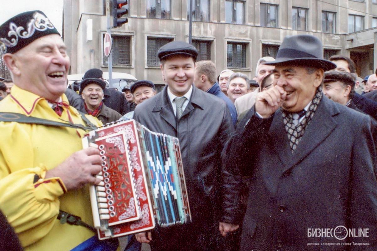 Президент РТ Минтимер Шаймиев (справа)