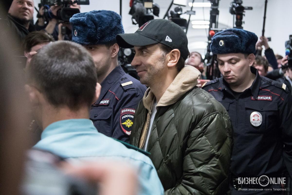 Бывший министр РФ по связям с Открытым правительством Михаил Абызов, обвиняемый в мошенничестве на 4 миллиарда рублей и создании организованного преступного сообщества, в Басманном суде Москвы