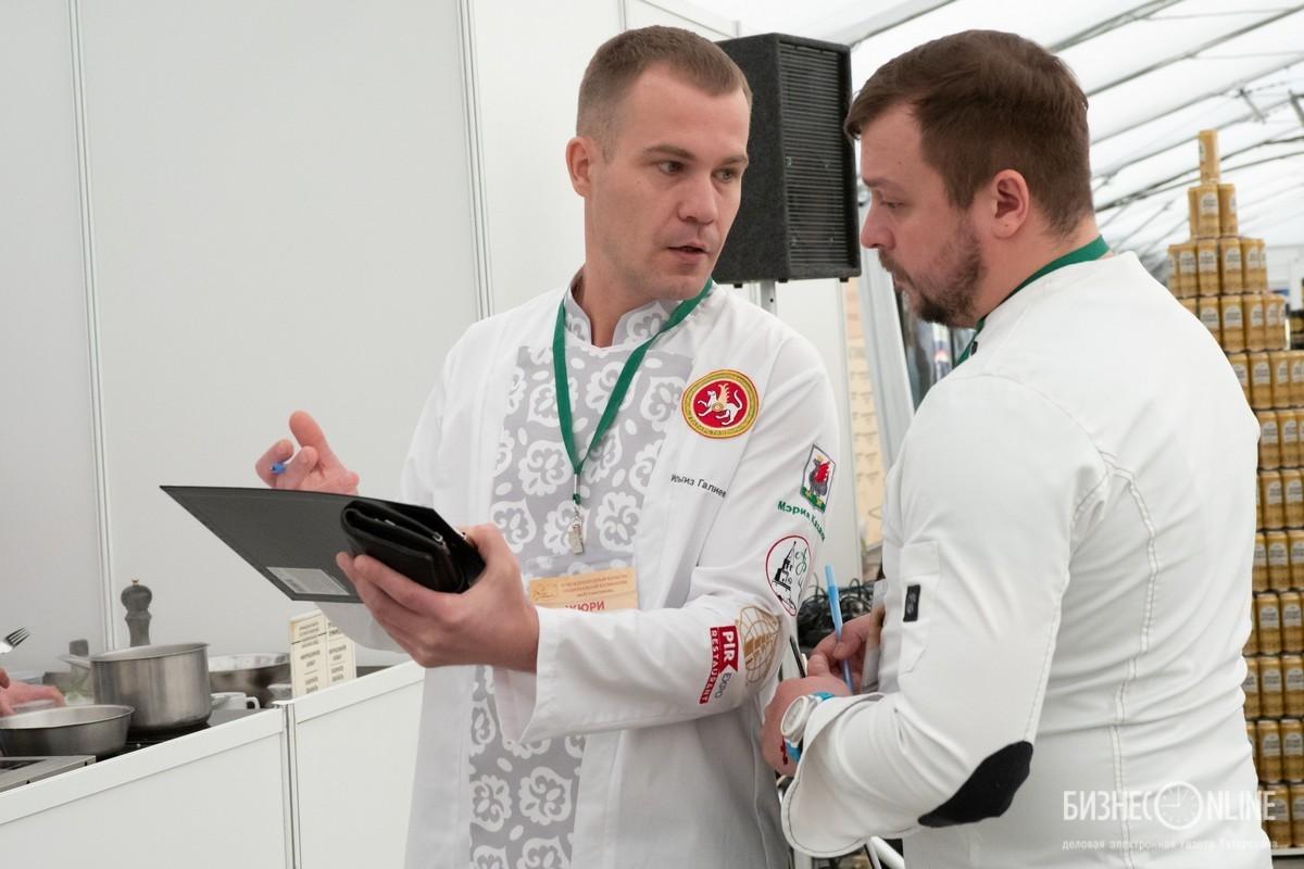 Ильгиз Галиев (слева)