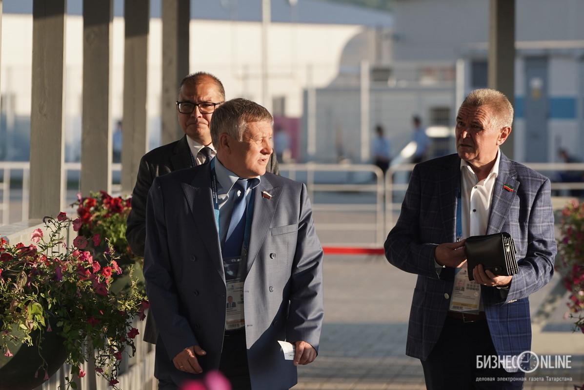 Ильдус Касымов (справа)