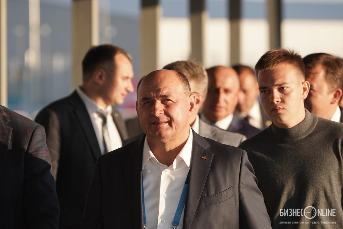 Иван Егоров (слева)