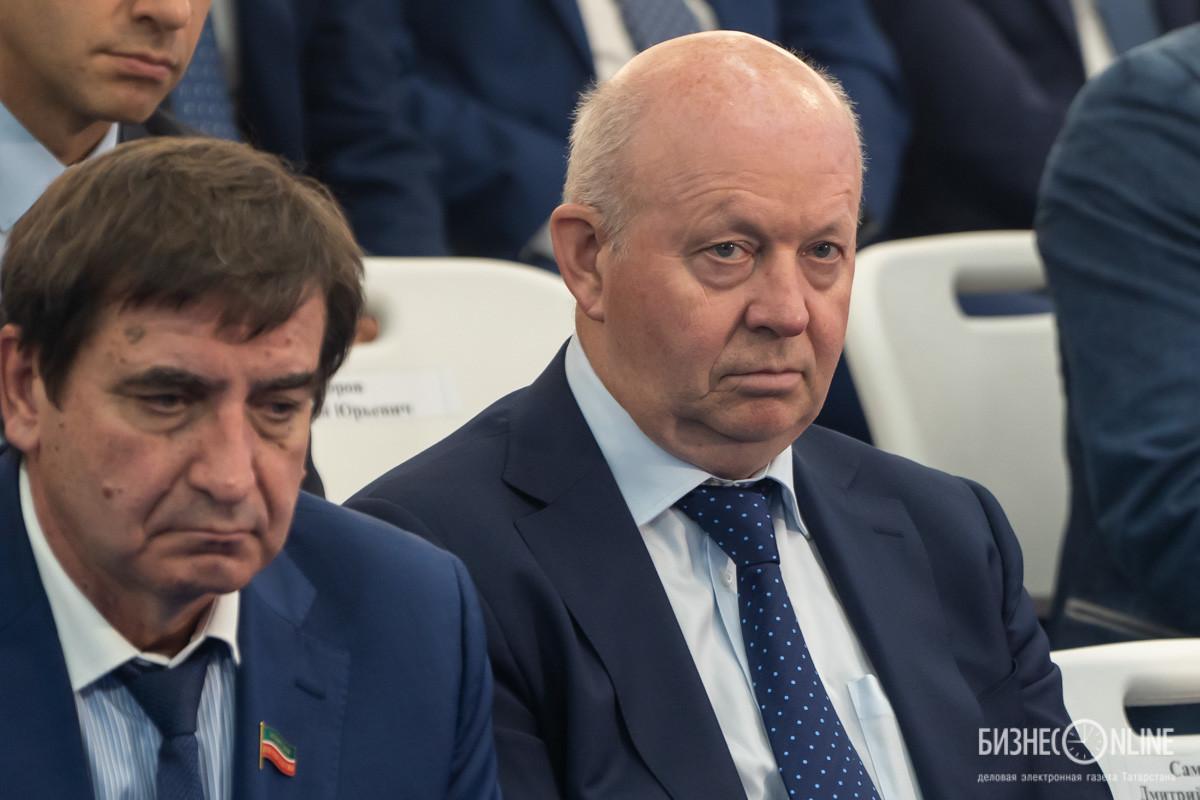 Юрий Камалтынов (слева)