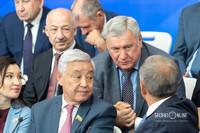 Владимир Вавилов (в центре)
