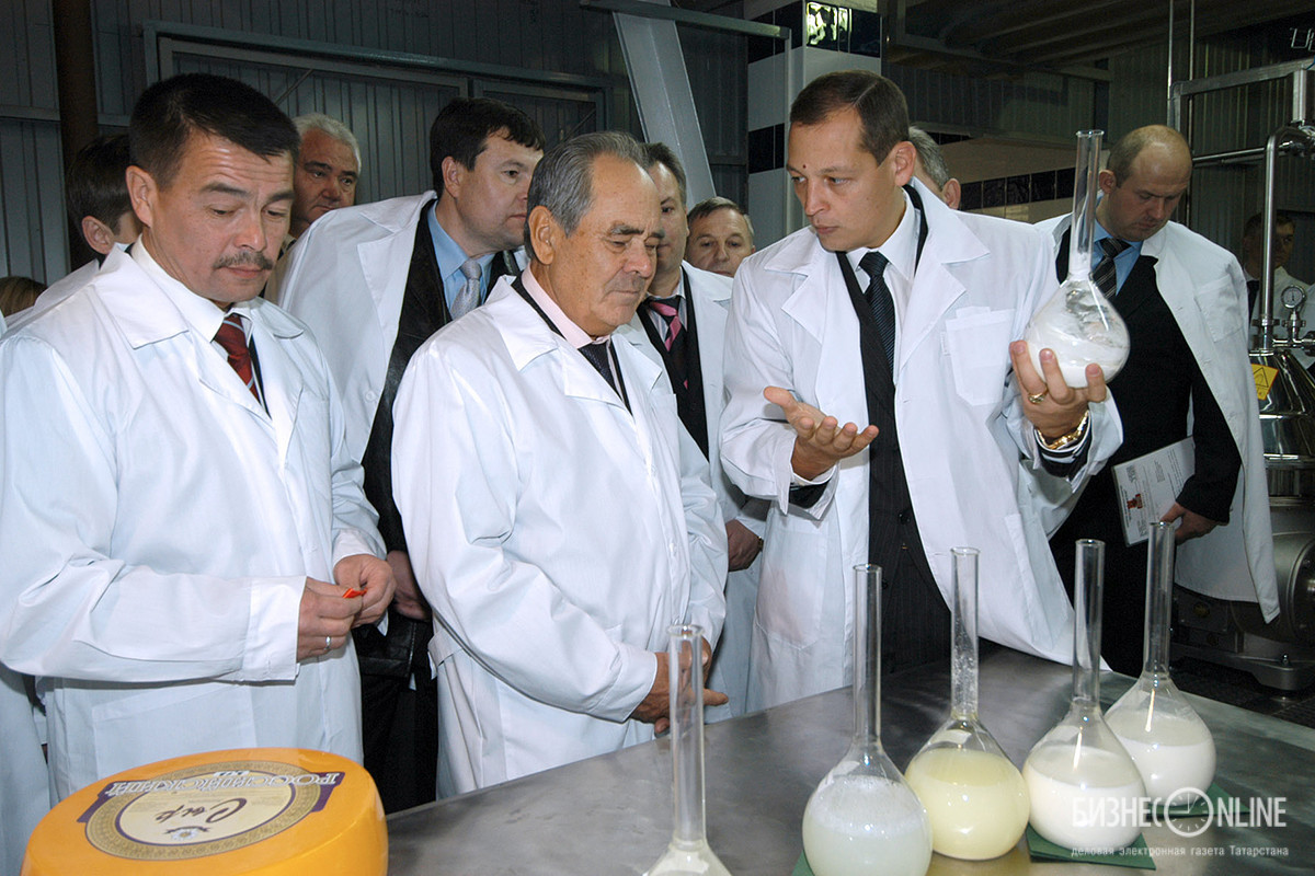 относится директора фото рыбновского молокозавода шляпки молодых