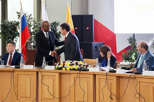 Евразийское отделение ОГМВ начиная с 2006 года возглавляет мэр КазаниИльсур Метшин, а на конгрессе в Чебоксарах ему продлили полномочия президента отделения еще на три года