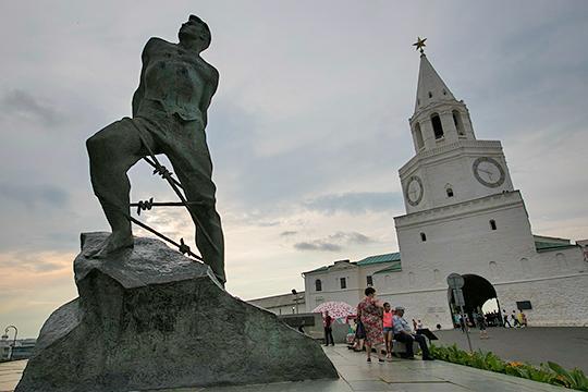 Борис Лукин: «Верю, что найдутся спонсоры книги – памятника татарским поэтам-победителям»