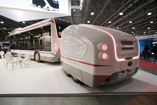 Тему электротранспорта продолжили вПК«Транспортные системы», предложив весьма нестандартное решение. Электробус «Пионер» снабжен «тележкой» систочником питания