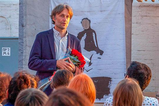 Персональные номинации Александра Маноцкова— «опера / работа режиссера», «работа композитора вмузыкальном театре»— тут, что называется, «будем посмотреть»