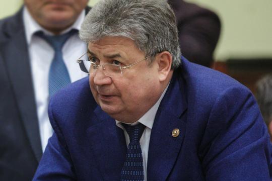 Всамом елабужском муниципалитете наличие тесные связей Емельянова иНизаметдинова категорически отрицают