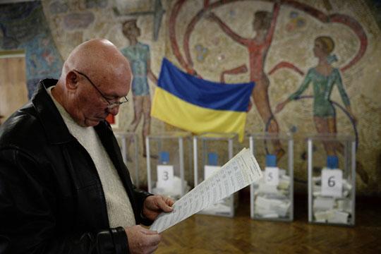 «Легитимная, законно ичисто избранная власть наУкраине Западу ненужна. Западу там нужен свой человек, слабый изависимый, поэтому оннедолжен быть слишком легитимным»