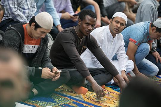 Вближайшие 15 лет вМоскве, Санкт-Петербурге, Екатеринбурге большинство населения составят представители мусульманской общины