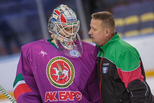 Последние пять сезонов Эмиль работал в тандеме с финским тренером Ари Мойсаненом. Фактически он сделал из Гарипова топ-вратаря, при нём он стал основным голкипером «Ак Барса»