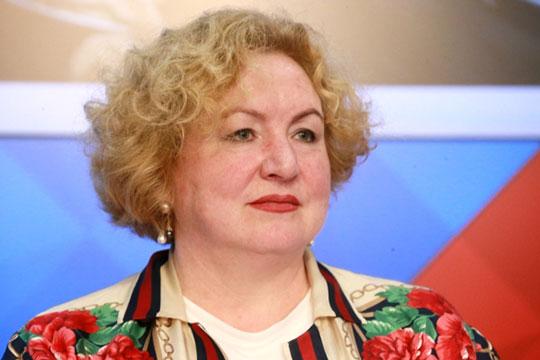 Светлана Смирнова по образованию и вовсе агроном, а свою карьеру строила исключительно на политическом поприще, успев посидеть в депутатском кресле
