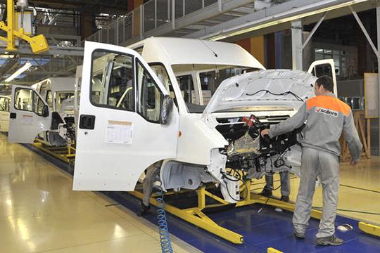 Косени штат Ford-Sollers вТатарстане расширялся на800 человек, или 30% (600 изних в«Алабуге»), где была введена вторая смена. Непоследнюю роль вэтом сыграл контракт с «Почтой России» насвыше 600 Ford Transit