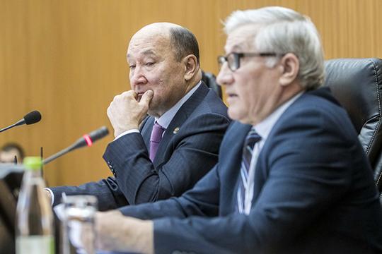 Бурное обсуждение проблемы выдалось напрошедшем в Минсельхозпроде РТзаседании совета ипрезидиума Ассоциации фермеров РТ, куда был приглашенМарат Ахметов