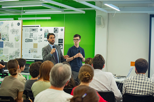На этой неделе Казань по приглашению КГАСУ посетил с визитом Фульвио Вирц — представитель всемирно известной архитектурной компании Zaha Hadid Architects, основанной в Лондоне в 1979 году