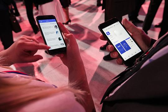 «Наши клиенты тоже рассматривают соцсети только как возможность присутствия, демонстрации повседневной жизни компании. Это один из каналов продаж. А чем их больше, тем лучше»