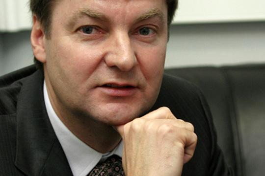 Главным претендентом напокупку называют владельца «НКбанка»Виктора Григорьева— бизнесмена, выполняющего федеральные оборонные заказы
