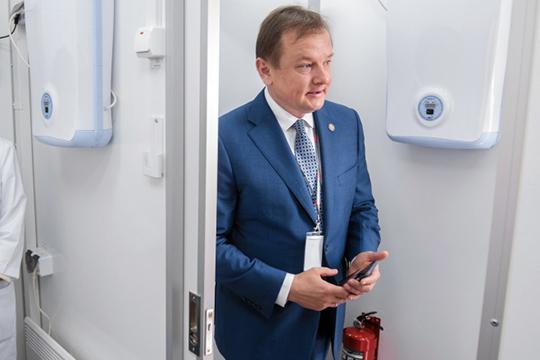 Экс-министр здравоохранения Татарстана Адель Вафин опять столкнулся с пристальным вниманием силовиков
