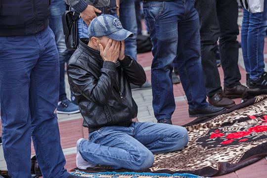 Такфир — это кнут, аточнее секира, позволяет держать встрахе иподчинении мусульман, атакже душить вихсреде всякие ростки свободомыслия имысли вообще
