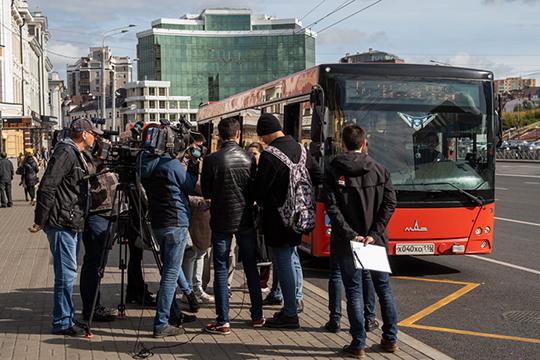 Ассоциация перевозчиков РТ, представляющая интересы казанских «автобусников», объявила охоту на кондукторов, которые не обилечивают пассажиров, а кладут деньги себе в карман