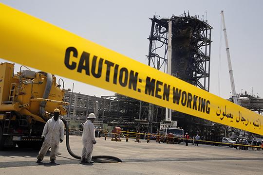 «Атака дронов и крылатых ракет на нефтяные объекты, случившаяся на минувшей неделе, привела к огромным миллиардным потерям, росту нефтяных котировок и укреплению рубля»