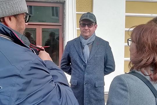 Корреспонденту «БИЗНЕС Online» Колтун пояснил, что реставрация оценивается в 120-150 тыс. рублей за кв. м (с учетом реконструкции внутренних интерьеров)