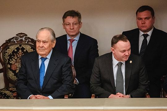 Балкон предназначался для особых гостей в лице первого президента РТ, госсоветника РТ Минтимера Шаймиева, компанию которому составили представители судейского корпуса и силовики