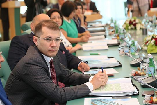 Стремительно вырос личный рейтинг нового главы ТАИФа Руслана Шигабутдинова, который прибавил сразу восемь позиций