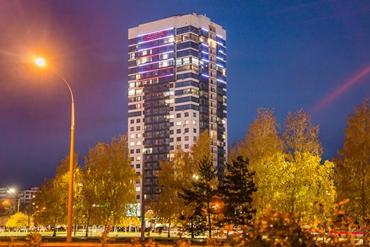 Самым высоким ценником может похвастаться пентхаус на25 этаже Europa Tower. Квадратный метр этой квартиры оценивается в85 тысяч рублей— при стоимости 25млн иплощади в292 «квадрата»