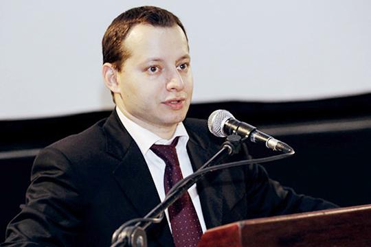 Почему Россию экстренно покинул Эдуард Кабаков? Версии разные. Ключевая изних— бывший топ-менеджеркомпании «НАСКО»опасаетсяуголовного преследования