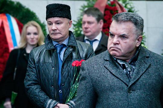 Фарит Фарисов(слева) иРустэм Ямалеев(справа)решили «закопать топор войны». Номожет случиться иновый виток...
