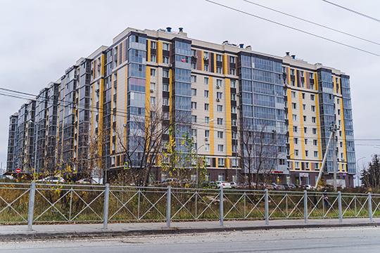 Буквально через дорогу от КЗССМ уже построены жилые комплексы «Радужный» и «Новые острова»
