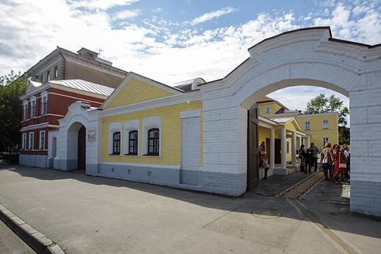 «Жилой дом на улице Япеева, 15 построен из самого первого силикатного кирпича. Он появился еще до революции, но был красивый, качественный», — приводит пример зампредседателя татарстанского отделения ВООПИиК Фарида Забирова