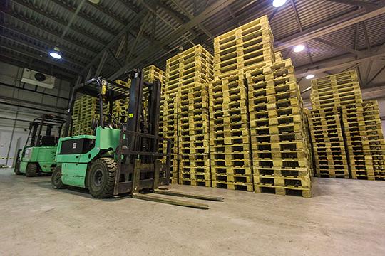 «Айс Билдинг» измеряет свою вместимость в числе паллетомест. Если перевести их в площадь, то получится 3200-3400 кв. м. Однако система хранения и роботов может быть дороже самой «коробки» склада