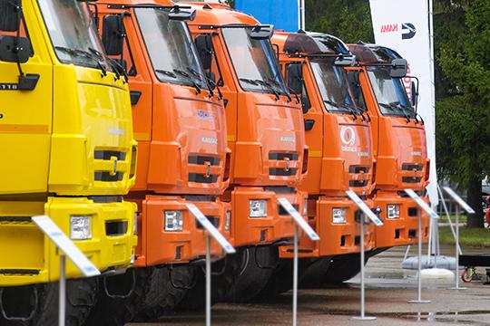 В течение нескольких лет, уверен следком, челнинские бизнесмены продавали КАМАЗы экологических классов «Евро-2» и «Евро-3» по паспортам более совершенных грузовиков стандарта «Евро-4»