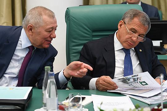 ТАИФ во втором полугодии должен был обеспечить по льготной цене дизтопливом аграриев Татарстана. Но, якобы, был освобожден от «сельской повинности» президентом РТ