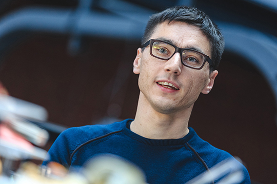 Владислав Линник: «Насамом деле смотря что еще называть искусственным интеллектом. Когда 97-й ворд подчеркивал маленькую букву— это тоже был искусственный интеллект»