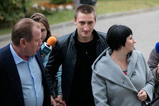 «Конкретную команду задерживать Устинова давали ОМОНу именно люди с Петровки. Но в ходе дальнейшего скандала о роли полиции я не услышал ни слова»