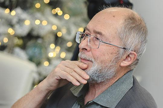 Рустам Курчаков: «Ситуация такова: два человека сейчас стоят у кнопки перезагрузки. Что значит перезагрузка? Когда компьютер завис, дисплей погас, радикальный способ сбросить все до заводских настроек»