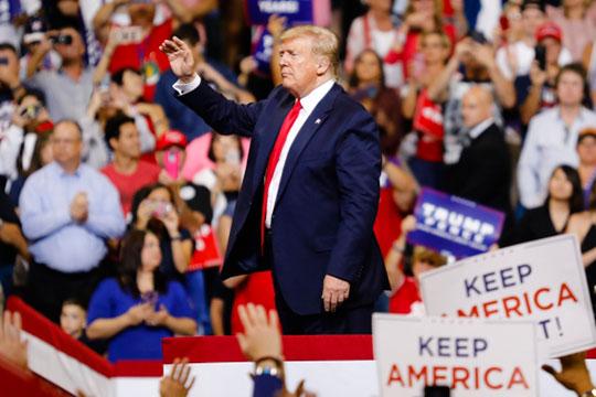 «Врагам Америки и Дональда Трампа в свою очередь нужно будет спровоцировать кризис до выборов. Любой ценой, где угодно «плеснуть керосин на угли»