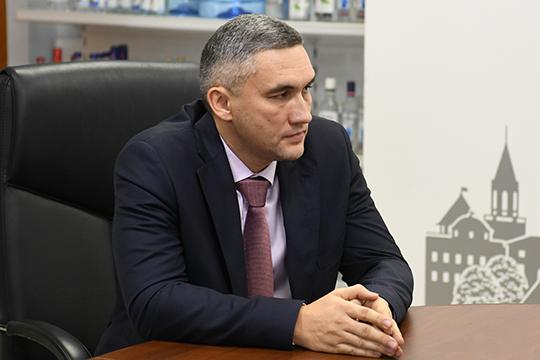 Руслан Максудов поблагодарил руководство республики за оказанное доверие и работу в серьезной компании — по его словам, это «федеральный игрок большого калибра»