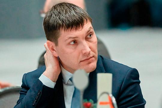 Иван Гущин заострил внимание на проблеме отсутствия инвесторов и готовых решений. Он напомнил, что в историческом квартале сегодня осталось 26 домов, в восьми из них проводится капитальный ремонт
