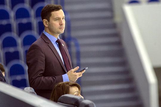 Владимир Леонов ставит две приоритетные задачи: возвращение в республику спортсменов, которые здесь родились, но сейчас выступают за другие регионы, а также постройку Центра фигурного катания