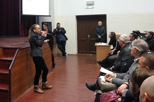Вероника Галеева: «Последнее, что мы требуем — это создать экспертную комиссию с участием актива жителей, ученых и администрации для обсуждения планов развития нашего поселения с планомерными и регулярными обсуждениями»