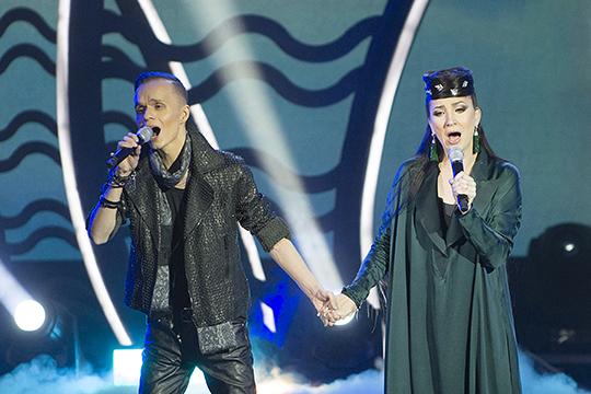 «Олы юлның тузаны» мы пели в дуэте с Алиной Шарипжановой: с татарским моң, где академическое пение очень даже хорошо подходит»