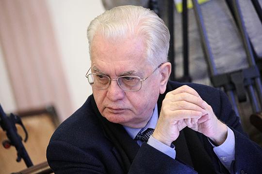 За роль культуры в Конституции бился директор Эрмитажа Михаил Пиотровский. По его мнению, российская культура — это «не подверженный инфляции символ нации»